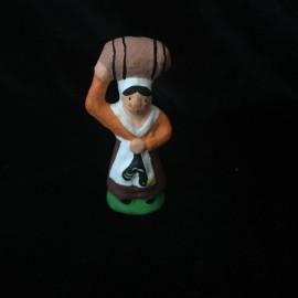 paysanne au baril
