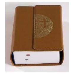 La Bible de Jérusalem. Compacte blanc cassé. Tranche dorée.