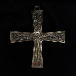 Croix bronze inspiration médiévale bleu et rouge