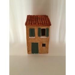 Maison de village toit en...