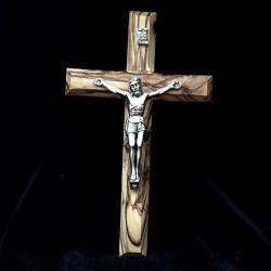 Crucifix en olivier avec Christ en métal argenté